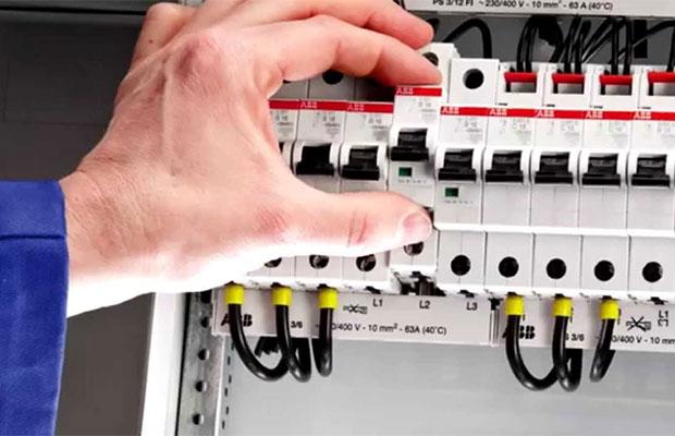 При частом отключении автоматического выключателя не следует сразу заменять его на прибор большего номинала