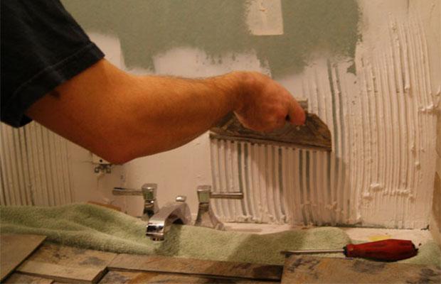 Перед укладкой плитки нужно подготовить поверхность