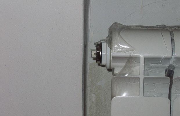 Воздух из радиатора спускается с помощью крана Маевского