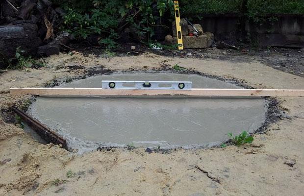 Для наземного тандыра требуется построить прочный и качественный фундамент
