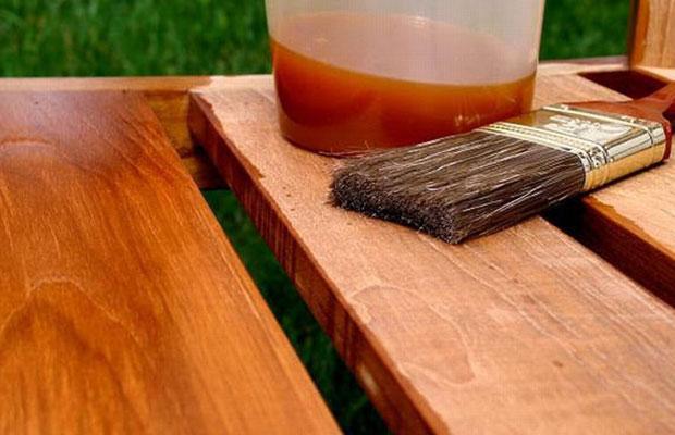 Перед нанесением состава поверхность надо очистить и отшлифовать