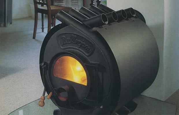Газ из такой печки не попадает в помещение, благодаря герметичным дверям и заслонкам