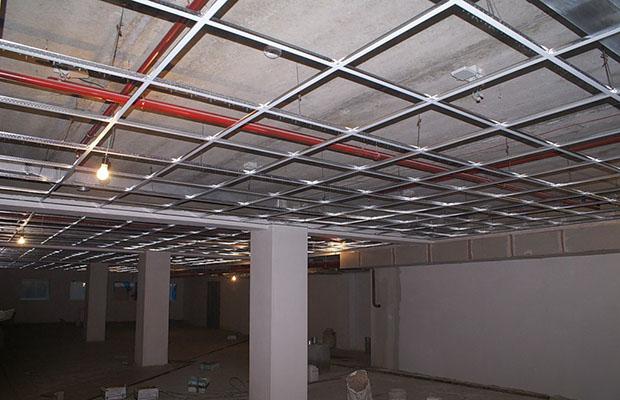 Металический каркас потолка
