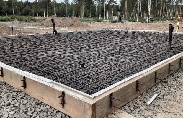 Как выглядит монолитная плита перед заливкой бетоном