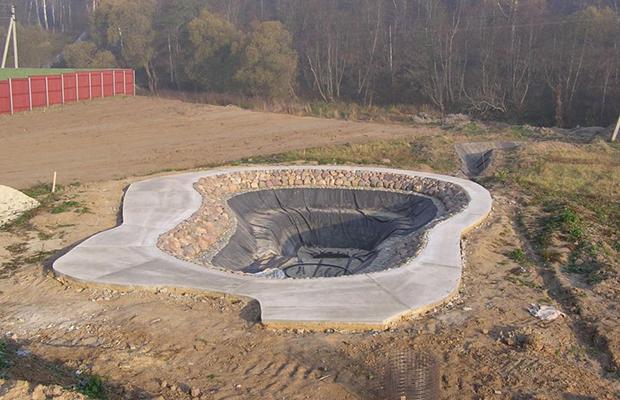 Строительство пруда на голом участке