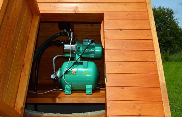 Водоснабжение дома с помощью колодца и насоса