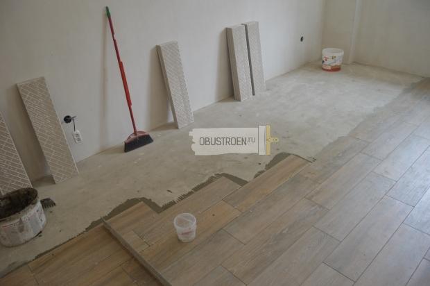 Укладка плитки параллельно стене