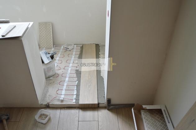 Стыковка плитки с порожком балкона