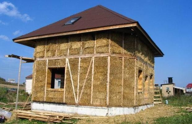 Саманный дом является одним из самых дешевых вариантов