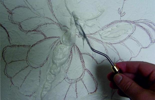 Для создания полотна можно использовать самые разные составы, независимо от их основы