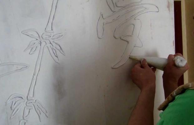 Создание картины из шпаклевки при помощи шприца