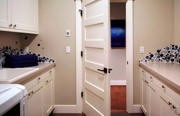 Дверные наличники, запиленные под прямым углом