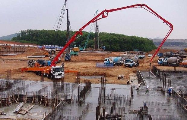 Для глобального строительства монолитных сооружений рационально купить свой бетононасос, а не брать каждый раз в аренду