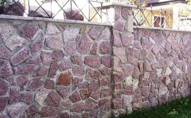Наиболее оригинальные сооружения получаются из доломита