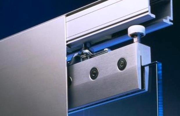 Направляющие для раздвижных дверей обеспечивают плавное передвижение дверного полотна