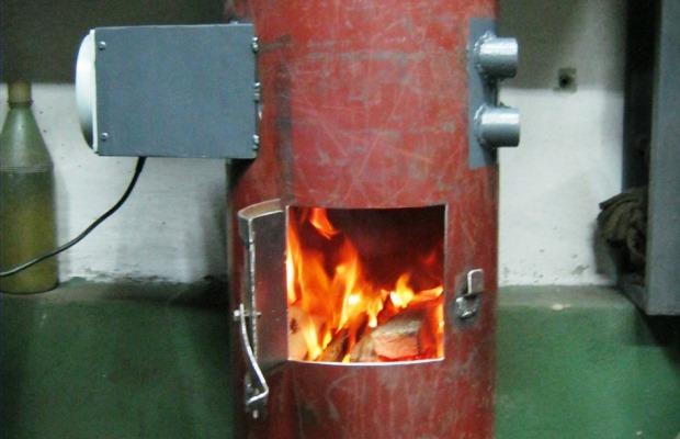 Печь из большого газового баллона: смотрится интересно, выглядит опасно