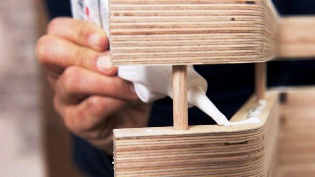 При использовании клея ПВА получается эластичный соединительный шов
