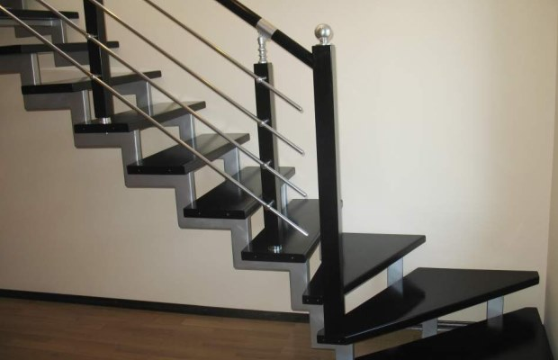 Рассчитав конструкции можно получить точное представление, какую лестницу ставить - винтовую или обычную