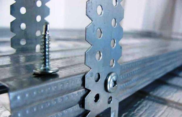 Реечные конструкции постепенно уступили первенство профильным