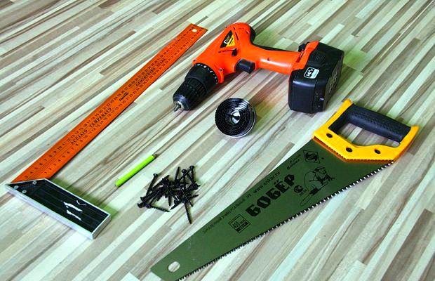 Такого набора инструмента чаще всего хватает для изготовления скворечника