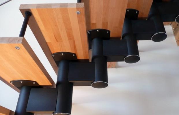 Удобство конструкций модульных лестниц заключается в подобии каждой детали, а значит не потребуется заранее помечать их