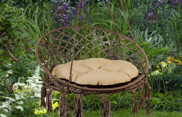 Кресло и кровать с кольцевым каркасом