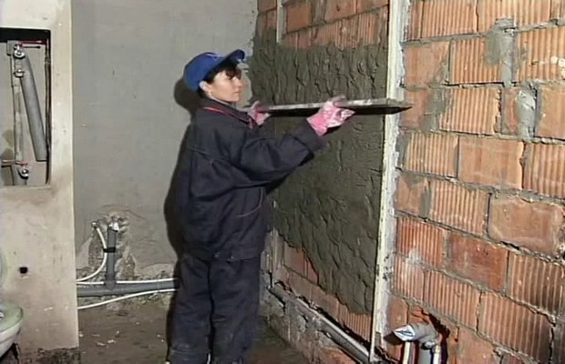 Штукатурим стены сами