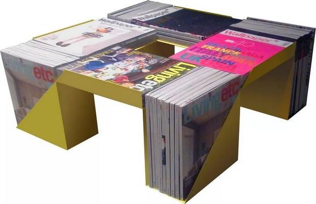 Оригинальный кофейный столик из журналов