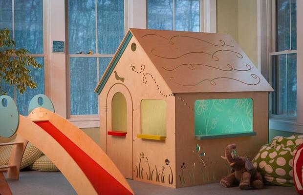 Простой детский домик для квартиры