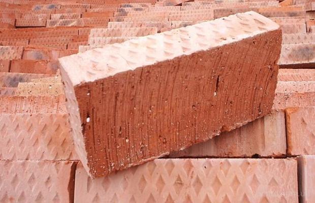 Строительный материал с маркировкой М-100 способен выдерживать серьезные нагрузки