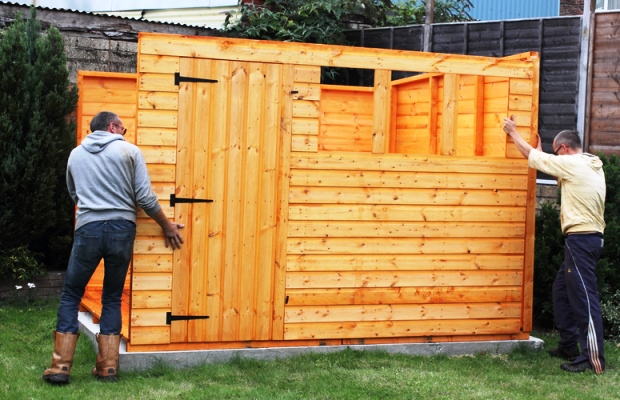 Даже если свинарник планируется небольшой, позаботьтесь о надежных стенах