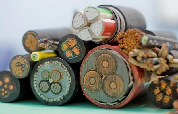 Важным этапом в выборе электрики является определение длин и сечений проводников
