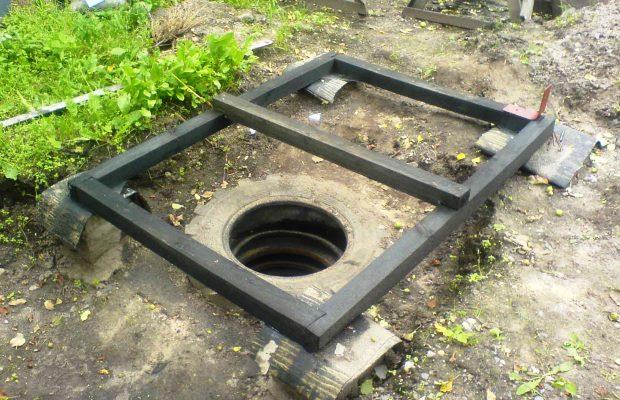 А ведь эти покрышки под выгребную яму вполне могли оказаться на свалке, но сыграли свою роль