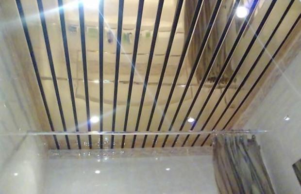 Различают три вида реечных потолков: открытые, закрытые и со вставками