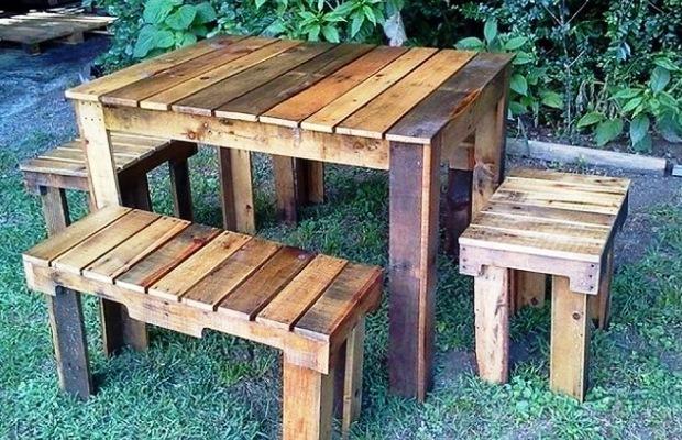 Чем меньше внимание предмету мебели, тем проще конструкция