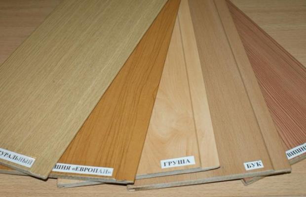 Одной из качественных характеристик панелей из МДФ является повышенная влагостойкость, что позволяет использовать их в помещениях любых типов