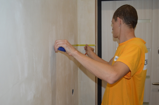 Делаем отметки на стене
